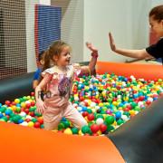Организация детского мероприятия с сухим бассейном
