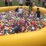 Бассейн с разноцветными шариками напрокат