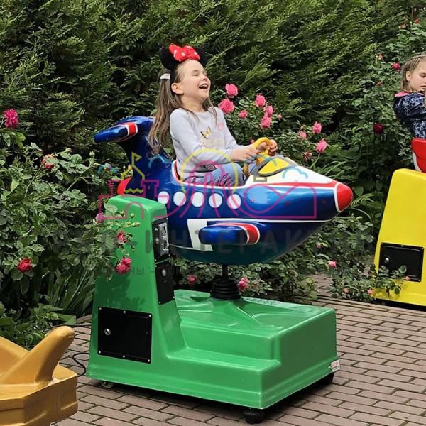 Механическая качалка для детей в виде самолёта