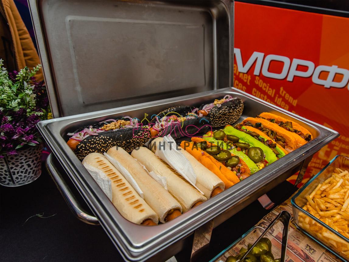 Булочки с цветными хот-догами