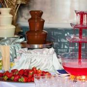Шоколадный фонтан заказать на праздник поющий