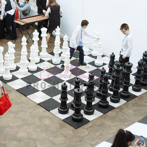 Огромные шахматы для мероприятия