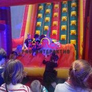 Аттракцион Надувной Скалодром русичь в аренду на день рождения ребенка