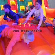 Аттракцион Надувной Скалодром русичь в аренду на детский праздник