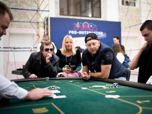 Спортивный покерный стол