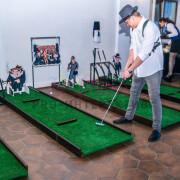 Мини-гольф в тематике гангстеров