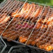 Приготовим колбаски на гриле на вашем празнике