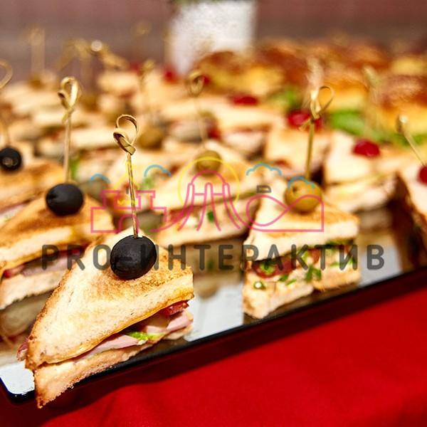 Выездное питание на вечеринку с сэндвичами
