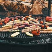 Приготовление сосисок на мероприятии