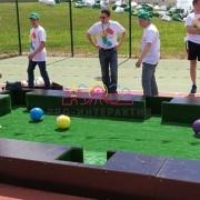Необычный бильярд с футбольными мячами