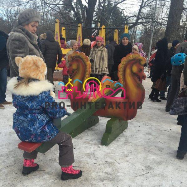 Лошадка балансир