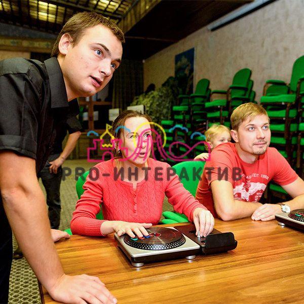 DJ Hero в прокат на корпоратив