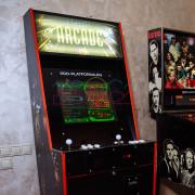 Ретро автомат с играми