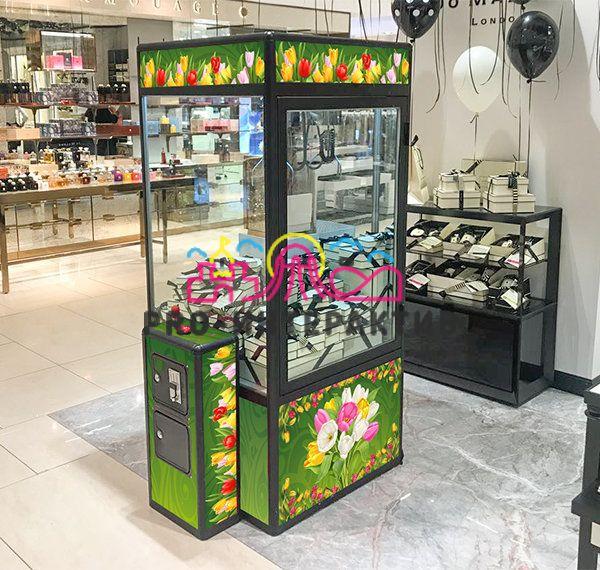 Автомат с игрушками для женщин на 8 марта