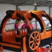 Взять напрокат надувную колесницу