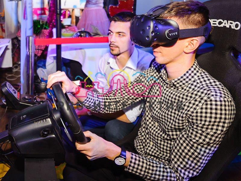 Инструктор для VR аттракциона