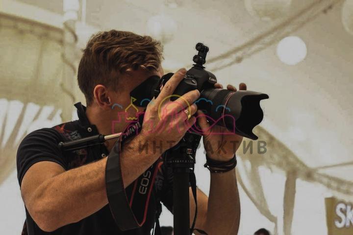 Интерактивная стойка для фотозоны