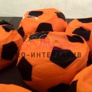 Аренда пуфов футбольных мячей
