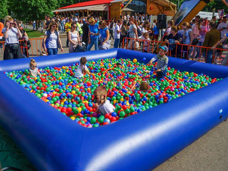 Аренда синего сухого бассейна с шариками