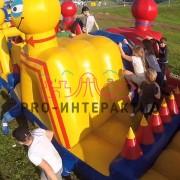 Надувная полоса препятствий для детей