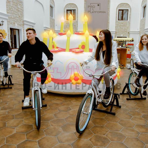 Аттракцион с зажиганием свечей на торте