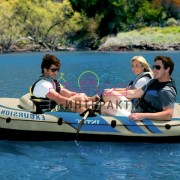 Лодка надувная на праздник