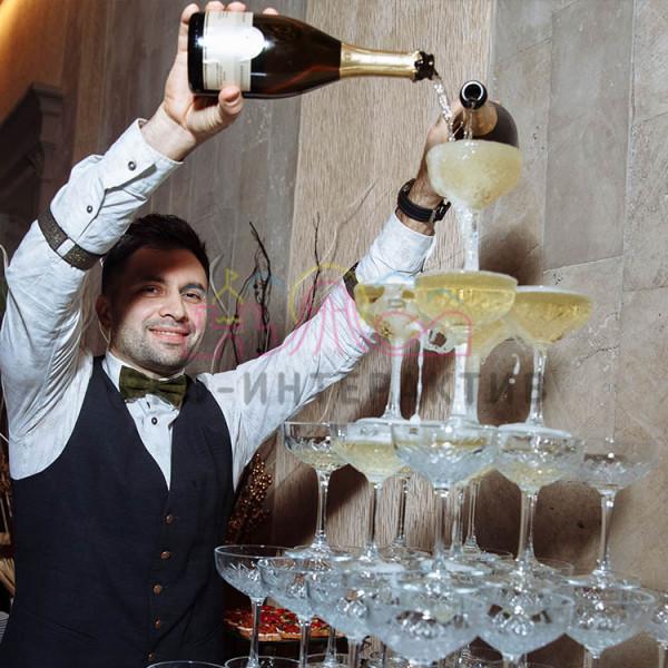 Заказать пирамиду из шампанского на мероприятие