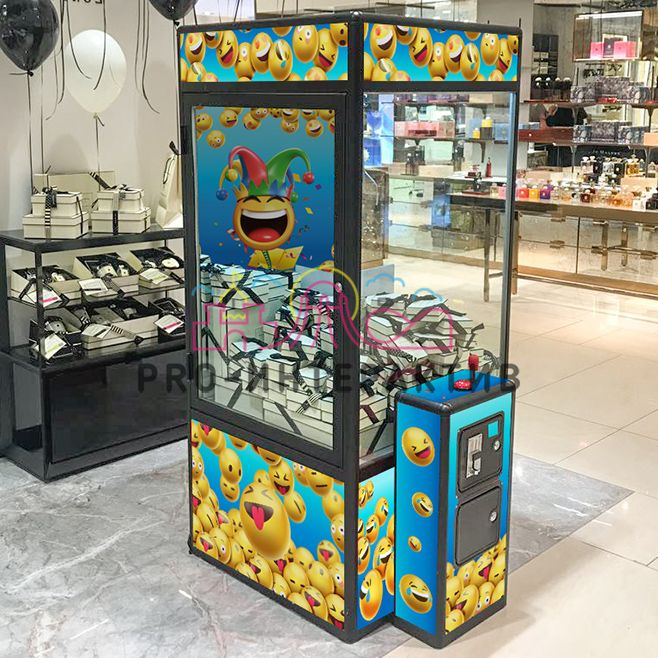 Кран машина в аренду на мероприятие на День смеха