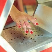 Очистка рук на празднике