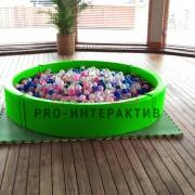Зелёный сухой бассейн