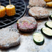 Жарить мясо на празднике