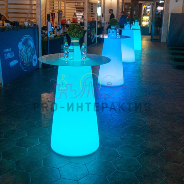 Коктейльный стол с подсветкой в аренду