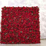 Свадебная фотозона из роз