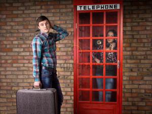 фотозона в виде красной телефонной будки